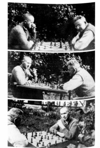 Benjamin plays chess with Brecht